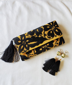 Embroidered wallet handmade from Chiapas