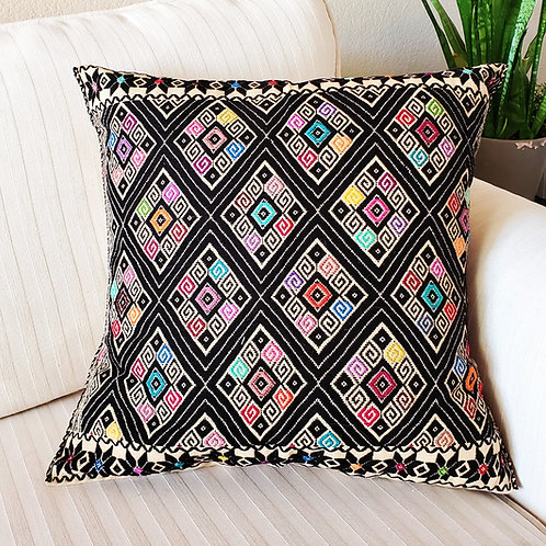 black, brocade, pillow case, pillow cover, beige, textil, mexican textile, hand made, hand woven, embroidery, mexico