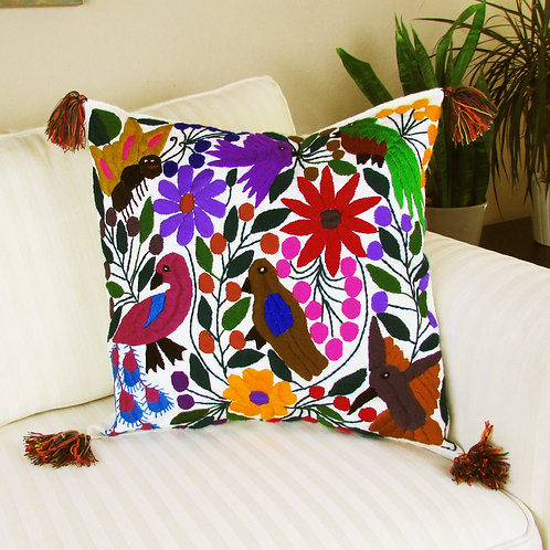 pillow cover, pillow white, mexican pillow, mexican hand made, chiapas embroidered, chiapas fabric, mexican embroidery, pillo