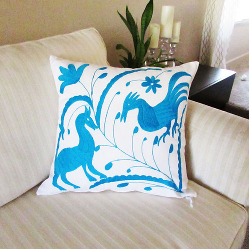 "Pillow Cover 18""x18"", Turquoise embroidered on White fabric cotton manta."