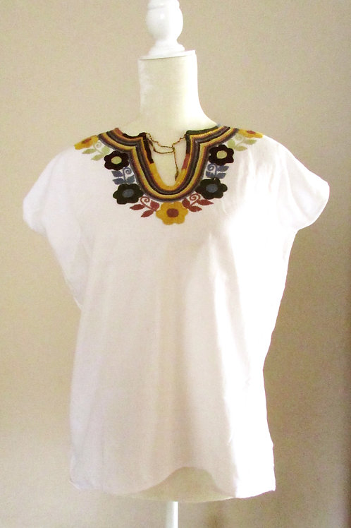 blouse white with colorful, chiapas textile, mayan textile, mexican crewel embroidered, blouse handmade, mexican fabric