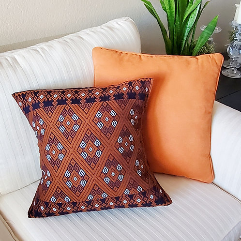 mexican embroidery, mexican textile, textil, pillow case, pillow cover, chiapas, mayan, maya, hand made, hand woven, embroide