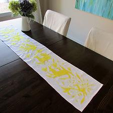 Otomi Runner yellow hand emboridered - Seles- Arte de Mi Tierra