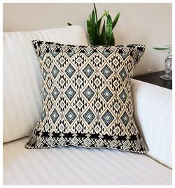 Hand woven pillow, San Andres Larrairzar textile, maya textile, mexican textile,