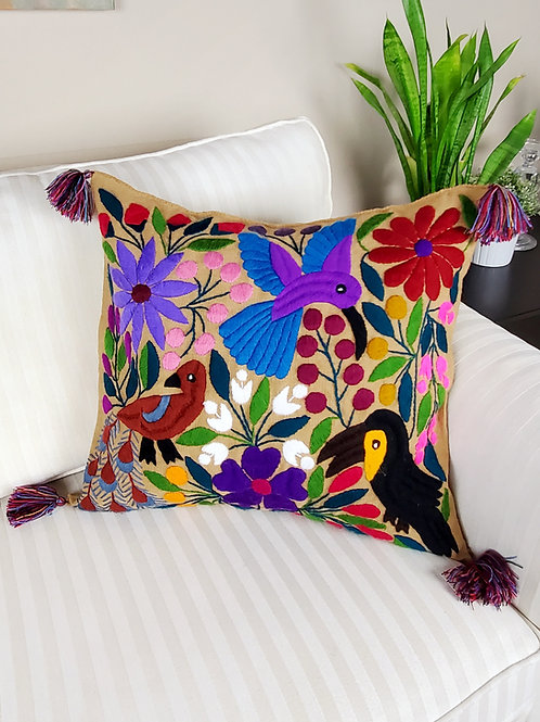 chiapas, hand woven, backstrap loom, beige, pillow case, pillow cover, hand made, mexican crewel embroidery, textile, mexico,