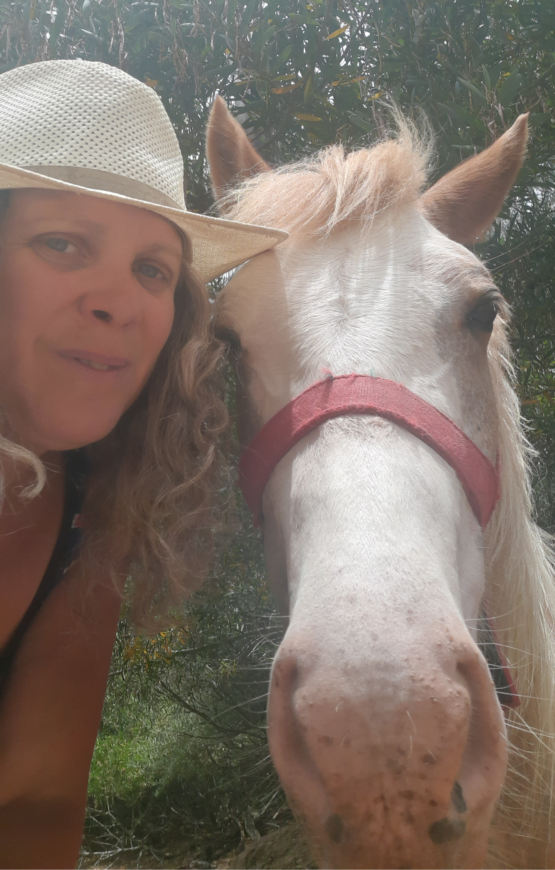 Veronica Kenigstein y caballo