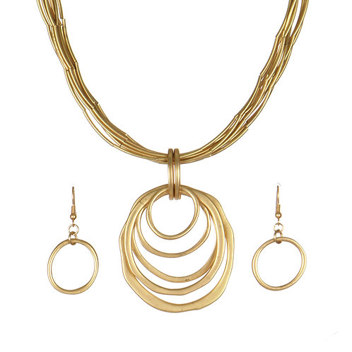 Multiring Pendant Necklace With Matching Earrings