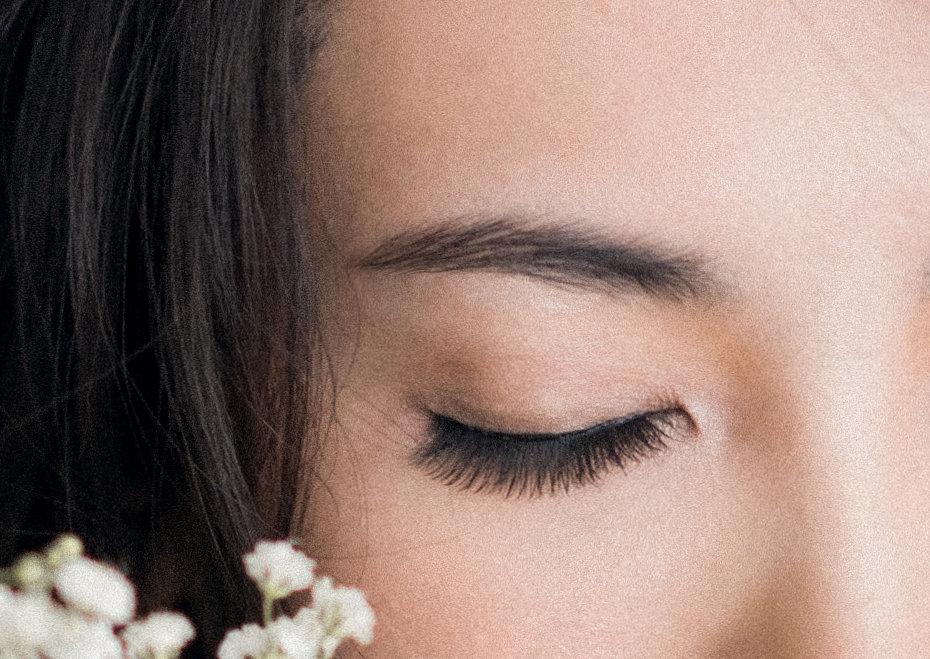 Eyebrow Shaping Service