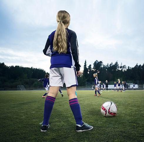 Retrovisor de un jugador de fútbol femen