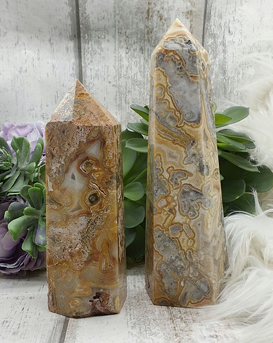 Crazy lace agate tower