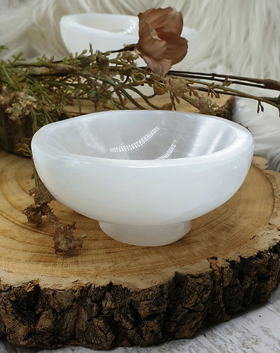Selenite bowl with base