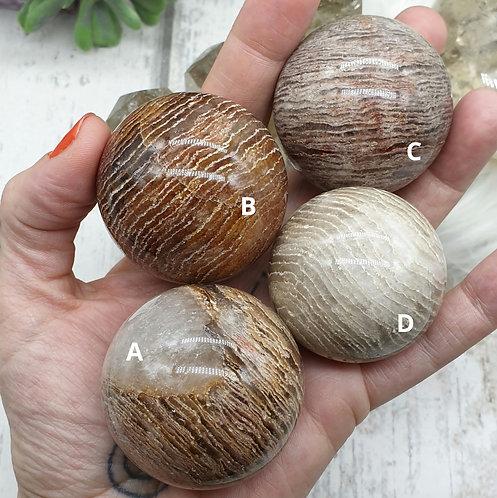Thousand layer quartz sphere