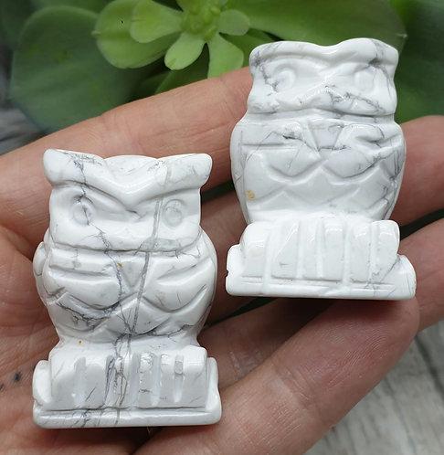Howlite owl