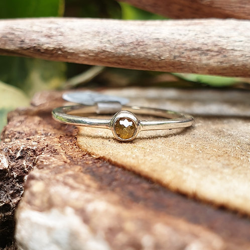 Yellow diamond Ring Q1/2