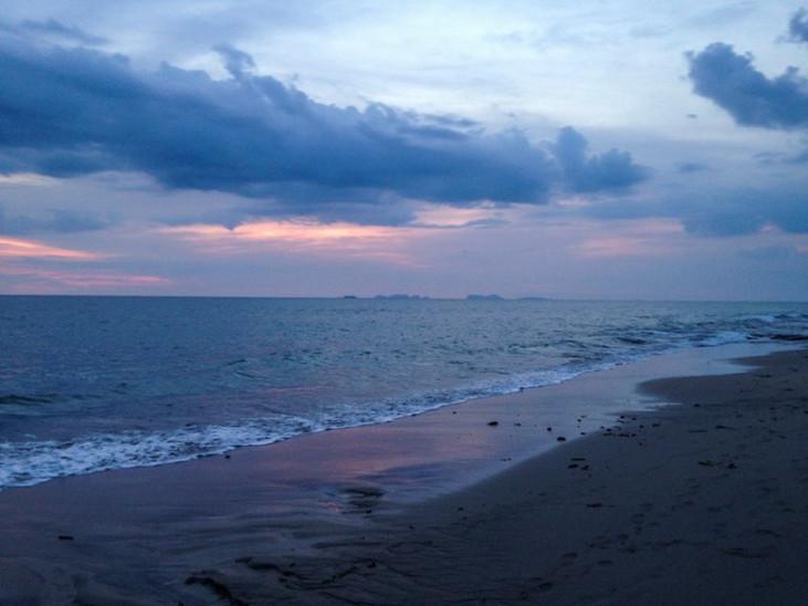 Beach Running, Koh Lanta