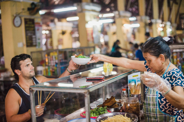 The BEST street food in Hoi An