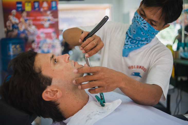 Getting a Straight Shave in the Philippines