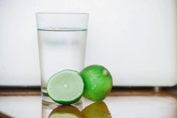 Healthy Recipe: Citrus Water + Tea