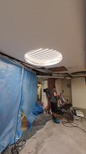 Salzer Apotheke - runde Lichtdecke vor Einspannen der Folie