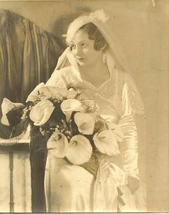 Aunt Rae Wedding Dress.jpeg