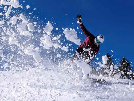 Mt Bachelor, Bend Oregon - Snowboarder