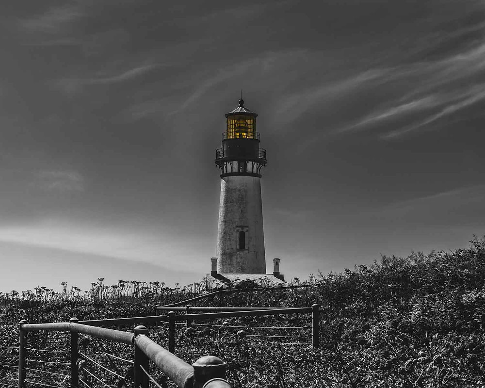 Lighthouse in Black and white