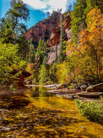 Sedona Arizona canyon trail during Fall