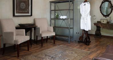 Room 1 - lounge.jpg