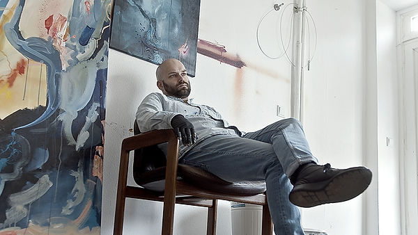 Maler im Atelier