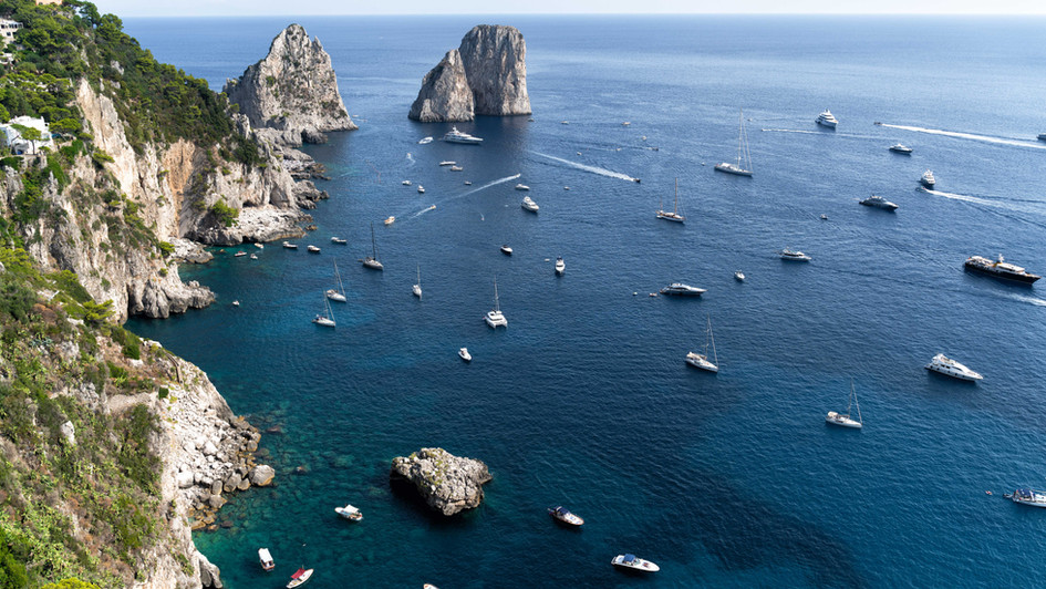 RUSH HOUR IN CAPRI