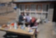 Freiwillige kämpfen sich durch die Erste-Hilfe-Fragen, Manang, ADEMED 2008, Annapurna-Region, Nepal