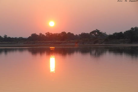 Sonnenuntergang South Luangwa Valley, Zambia, ADEMED-Expedition 2014