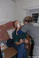 Probenentnahme für Teilstudie 3b in Bhulbhule, ADEMED 2008, Annapurna-Region, Nepal