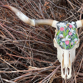 'The Lady of Slippers', Longhorn Skull