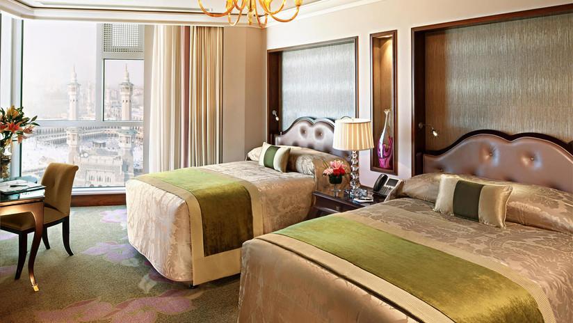 RMH-491226-Suite-Bedroom-2-Beds-Suite.jp