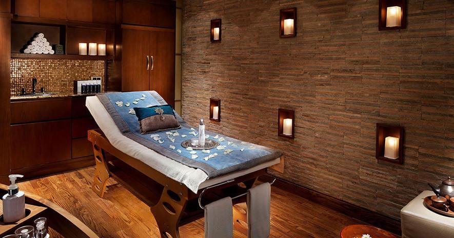 RMH-1057940-Raffles-Massage-Room-Spa.jpg