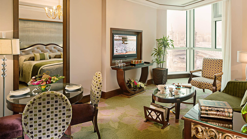 RMH-491225-Suite-Dining-and-Sitting-Area
