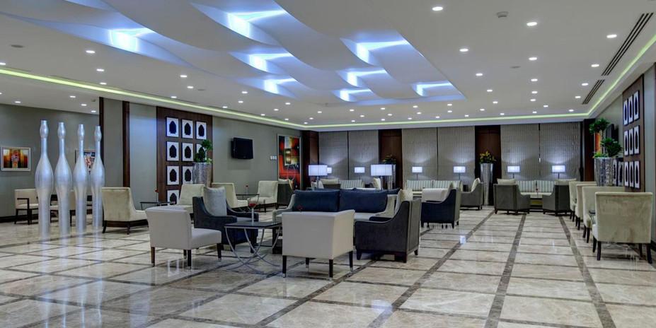 crowne-plaza-madinah-3094572758-2x1.jpg