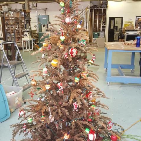 dead christmas tree