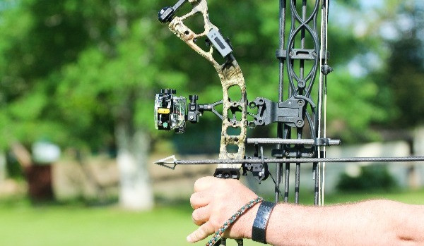 BOWdometer archery practice companion on compound hunting bow