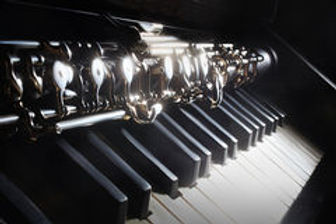 musical-instruments-piano-oboe-25586398.