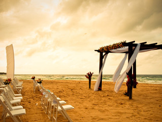 Civil or Symbolic Wedding? Which is the best for a destination wedding?