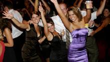 10 Tips to Energize Your Destination Wedding Reception