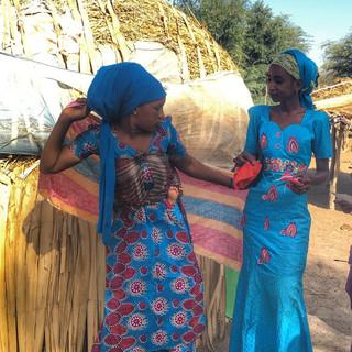 Village Peulh traditionnel composé de huttes oblongues construites par les femmes