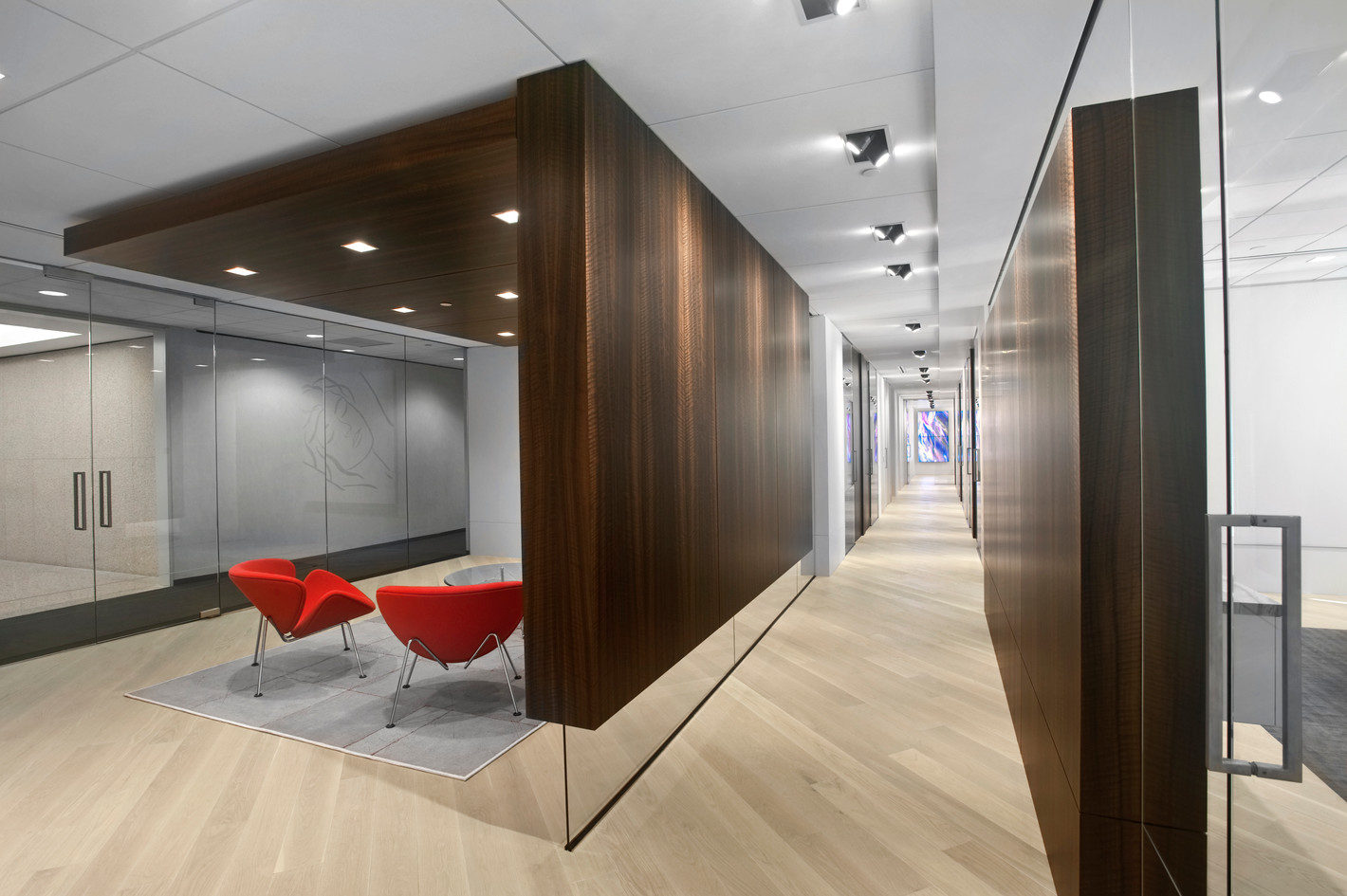 W. Private Office 1