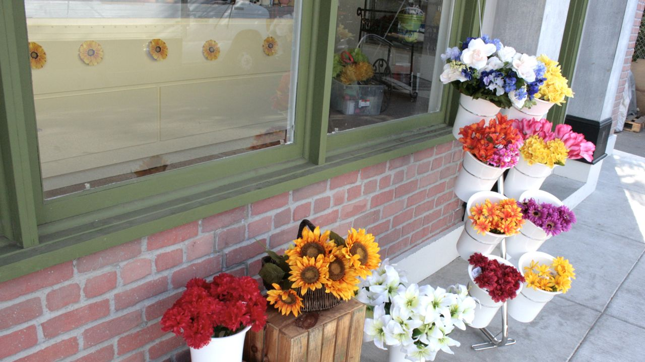 Flower shop Standing set sidewalk