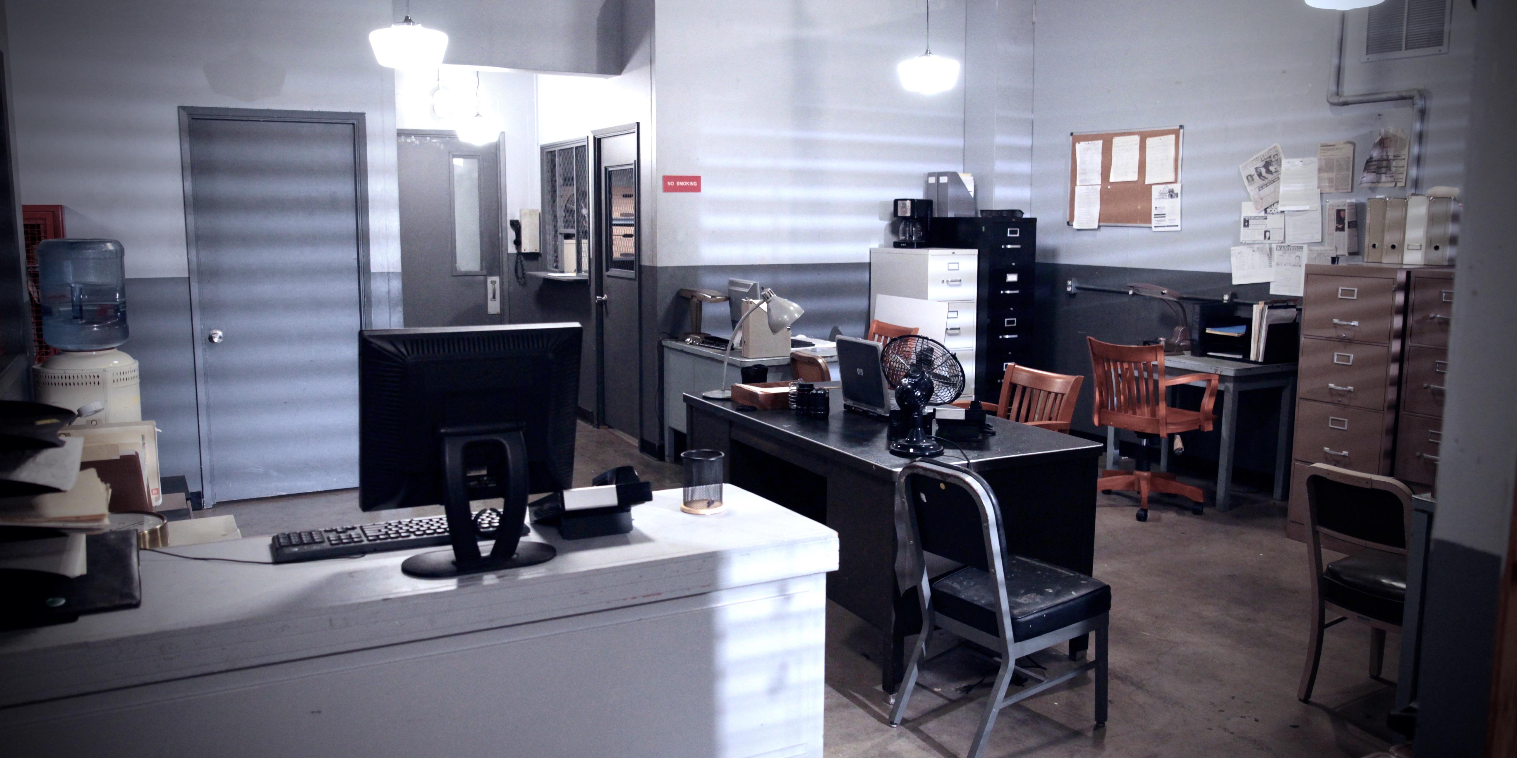 Front Desk & Bullpen