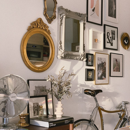 How to hang a Gallery wall (at home)