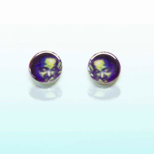Contemplate stud earrings