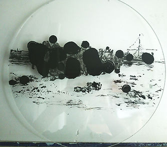 """""""Под давлением"""", 35 см., диаметр, плексиглас, масло, 2014? автор Потапов Владимир"""